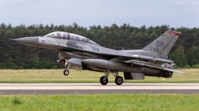 Photo ID 165967 by Sylwia Tylkowska. USA Air Force General Dynamics F 16D Fighting Falcon, 91 0481