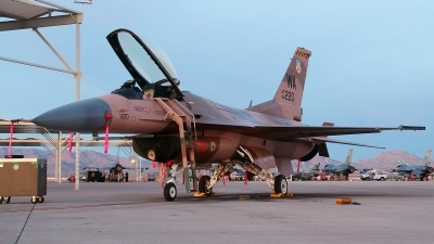 Photo ID 166184 by Paul Newbold. USA Air Force General Dynamics F 16C Fighting Falcon, 84 1220
