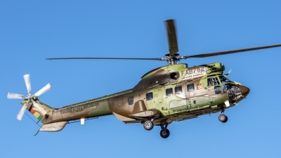 Photo ID 166590 by Nigel Roling. Bolivia Air Force Aerospatiale AS 332C1e Super Puma, FAB782