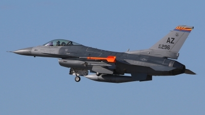 Photo ID 166855 by Ian Nightingale. USA Air Force General Dynamics F 16C Fighting Falcon, 86 0296
