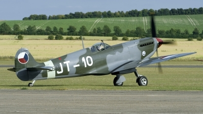 Photo ID 167482 by Joop de Groot. Private Historic Flight Foundation Supermarine 361 Spitfire LF9E, N633VS