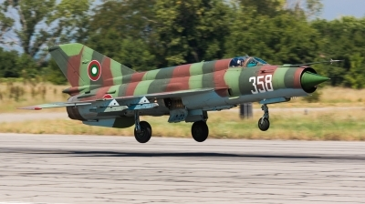 Photo ID 167973 by Andreas Zeitler - Flying-Wings. Bulgaria Air Force Mikoyan Gurevich MiG 21bis SAU, 358