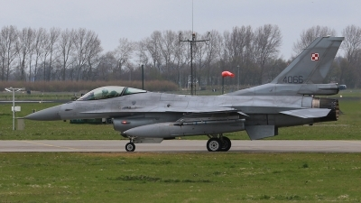 Photo ID 169519 by Ian Nightingale. Poland Air Force General Dynamics F 16C Fighting Falcon, 4066