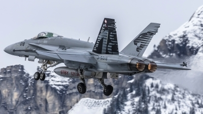 Photo ID 169887 by Martin Thoeni - Powerplanes. Switzerland Air Force McDonnell Douglas F A 18C Hornet, J 5018