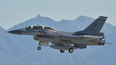 Photo ID 170535 by Lieuwe Hofstra. USA Air Force General Dynamics F 16D Fighting Falcon, 93 0825