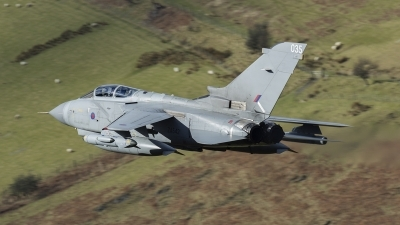 Photo ID 170787 by Paul Massey. UK Air Force Panavia Tornado GR4, ZA542