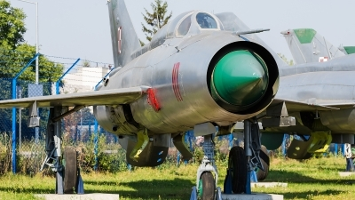 Photo ID 172116 by Alex van Noye. Poland Air Force Mikoyan Gurevich MiG 21PFM, 10