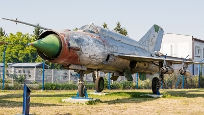Photo ID 172244 by Alex van Noye. Poland Air Force Mikoyan Gurevich MiG 21bis, 8905