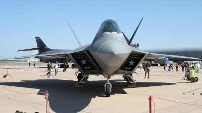 Photo ID 21027 by Jaysen F. Snow - Midwest Tail Chasers. USA Air Force Lockheed Martin F 22A Raptor, 02 4040