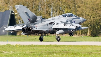 Photo ID 173527 by Alex van Noye. UK Air Force Panavia Tornado GR4, ZA462