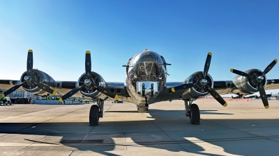 Photo ID 173937 by W.A.Kazior. Private Commemorative Air Force Boeing B 17G Flying Fortress 299P, N9323Z