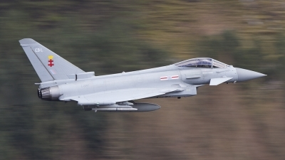 Photo ID 174076 by Tom Gibbons. UK Air Force Eurofighter Typhoon FGR4, ZJ947