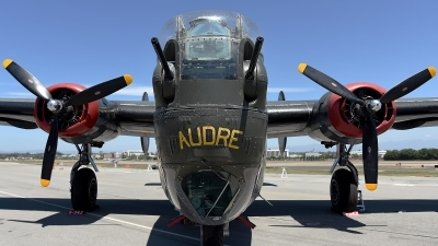 Photo ID 174109 by W.A.Kazior. Private Collings Foundation Consolidated B 24J Liberator, N224J