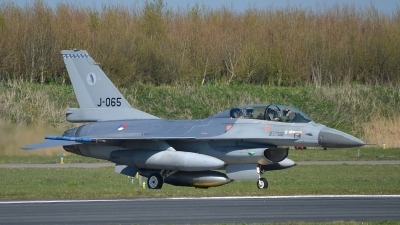 Photo ID 174828 by Peter Boschert. Netherlands Air Force General Dynamics F 16BM Fighting Falcon, J 065