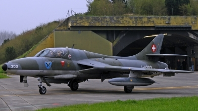 Photo ID 175647 by Sven Zimmermann. Private Clin d 039 Ailes Payerne Hawker Hunter T68, HB RVW