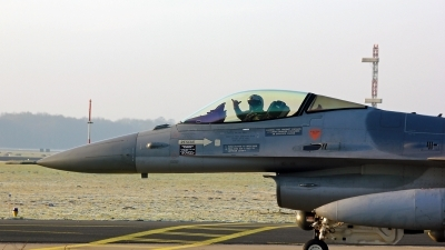 Photo ID 175972 by Richard de Groot. Netherlands Air Force General Dynamics F 16AM Fighting Falcon, J 011
