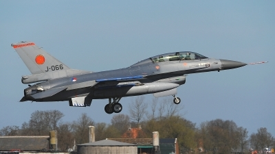 Photo ID 176052 by Peter Boschert. Netherlands Air Force General Dynamics F 16BM Fighting Falcon, J 066