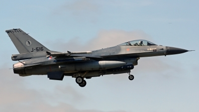 Photo ID 176793 by Richard de Groot. Netherlands Air Force General Dynamics F 16AM Fighting Falcon, J 516