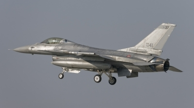Photo ID 21588 by Marcel Bos. Italy Air Force General Dynamics F 16A ADF Fighting Falcon, MM7241