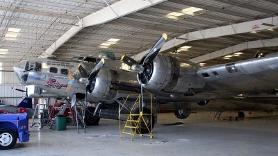 Photo ID 21785 by Ted Miley. Private Commemorative Air Force Boeing B 17G Flying Fortress 299P, N9323Z