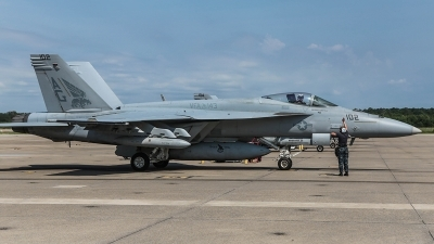 Photo ID 180350 by Mike Lynaugh. USA Navy Boeing F A 18E Super Hornet, 166602