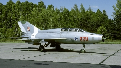Photo ID 180639 by Marinus Dirk Tabak. Poland Air Force Mikoyan Gurevich MiG 21UM, 9311