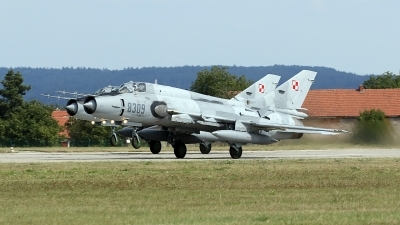 Photo ID 180809 by Tomas Medrik. Poland Air Force Sukhoi Su 22M4 Fitter K, 8309