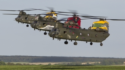 Photo ID 181389 by Tom Gibbons. UK Air Force Boeing Vertol Chinook HC4 CH 47D, ZA683