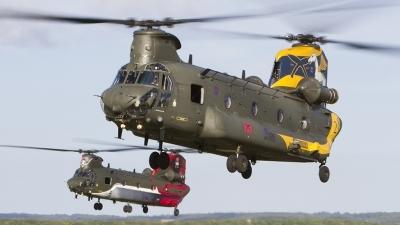Photo ID 181390 by Tom Gibbons. UK Air Force Boeing Vertol Chinook HC4 CH 47D, ZH777