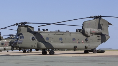 Photo ID 181738 by Tom Gibbons. UK Air Force Boeing Vertol Chinook HC6 CH 47F, ZK554