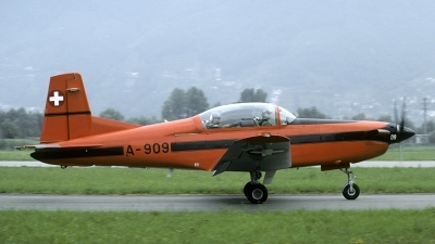 Photo ID 181881 by Joop de Groot. Switzerland Air Force Pilatus PC 7 Turbo Trainer, A 909