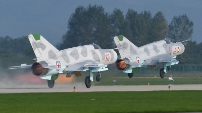Photo ID 182406 by Peter Terlouw. North Korea Air Force Mikoyan Gurevich MiG 21bis,