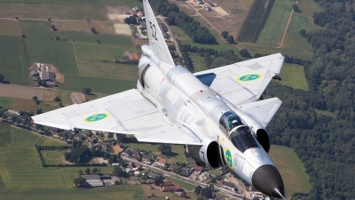Photo ID 182575 by Tom Gibbons. Private Swedish Air Force Historic Flight Saab AJS37 Viggen, SE DXN