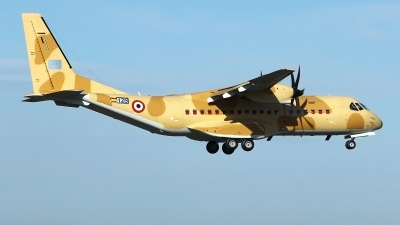 Photo ID 184172 by Manuel Fernandez. Egypt Air Force CASA C 295M, 125