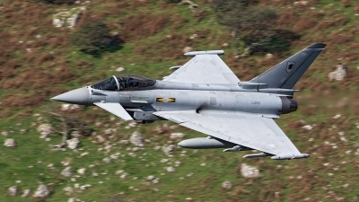 Photo ID 184235 by Robin Coenders / VORTEX-images. UK Air Force Eurofighter Typhoon FGR4, ZJ942
