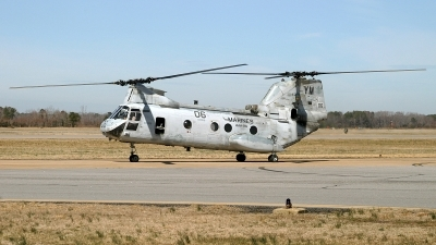 Photo ID 184625 by David F. Brown. USA Marines Boeing Vertol CH 46E Sea Knight 107 II, 155304