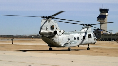 Photo ID 184544 by David F. Brown. USA Marines Boeing Vertol CH 46E Sea Knight 107 II, 153353