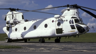 Photo ID 185253 by Chris Lofting. UK Air Force Boeing Vertol Chinook HC2 CH 47D, ZD574