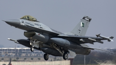 Photo ID 185929 by Thomas Ziegler - Aviation-Media. Pakistan Air Force General Dynamics F 16A Fighting Falcon, 85728