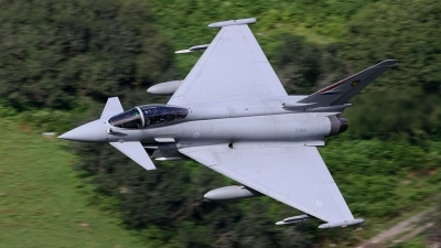 Photo ID 186465 by Barry Swann. Company Owned BAE Systems Eurofighter Typhoon FGR4, ZJ938