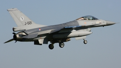 Photo ID 186479 by Arie van Groen. Netherlands Air Force General Dynamics F 16AM Fighting Falcon, J 021