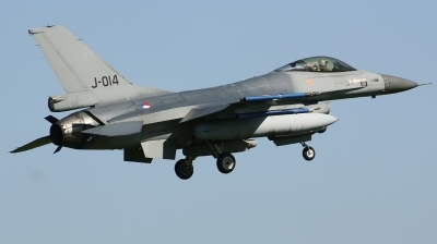 Photo ID 186520 by Arie van Groen. Netherlands Air Force General Dynamics F 16AM Fighting Falcon, J 014