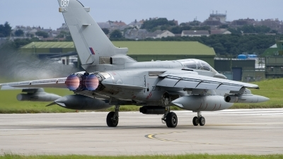 Photo ID 186935 by Joop de Groot. UK Air Force Panavia Tornado GR4, ZD739