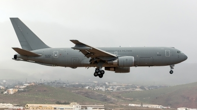 Photo ID 187000 by MANUEL ACOSTA. Italy Air Force Boeing KC 767A 767 2EY ER, MM62228