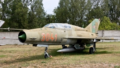 Photo ID 188706 by Jan Eenling. Hungary Air Force Mikoyan Gurevich MiG 21UM, 3041