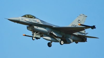 Photo ID 188846 by Radim Spalek. Netherlands Air Force General Dynamics F 16AM Fighting Falcon, J 643