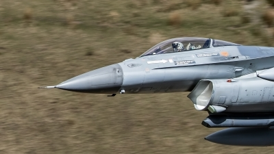Photo ID 189129 by Robin Coenders / VORTEX-images. Belgium Air Force General Dynamics F 16AM Fighting Falcon, FA 132