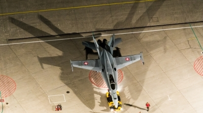 Photo ID 190168 by Andreas Zeitler - Flying-Wings. Switzerland Air Force McDonnell Douglas F A 18C Hornet, J 5018