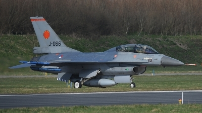 Photo ID 190354 by Peter Boschert. Netherlands Air Force General Dynamics F 16BM Fighting Falcon, J 066