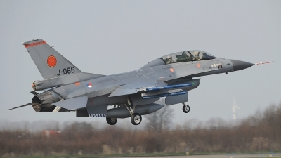 Photo ID 190355 by Peter Boschert. Netherlands Air Force General Dynamics F 16BM Fighting Falcon, J 066
